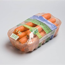 carrots - plastic tray with stretch film